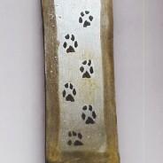 Damasco figurato: impronte di lupo